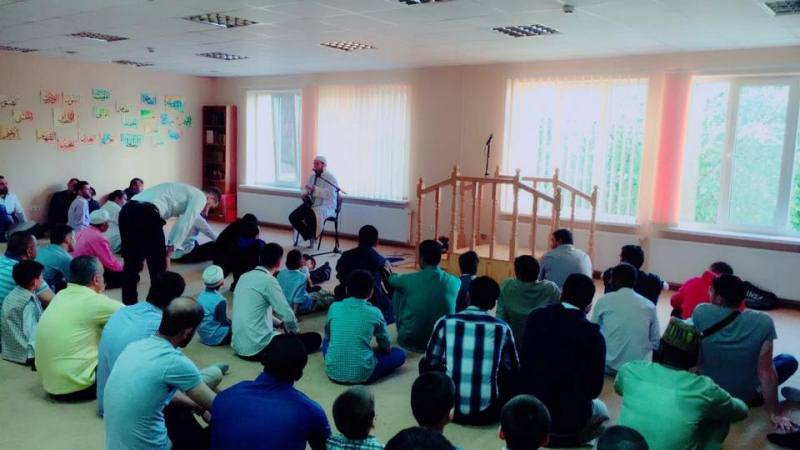 Amazing Classroom Eid Al-Fitr Decorations - 19247913_1777551065870022_5866674363506615070_n  Image_806668 .jpg