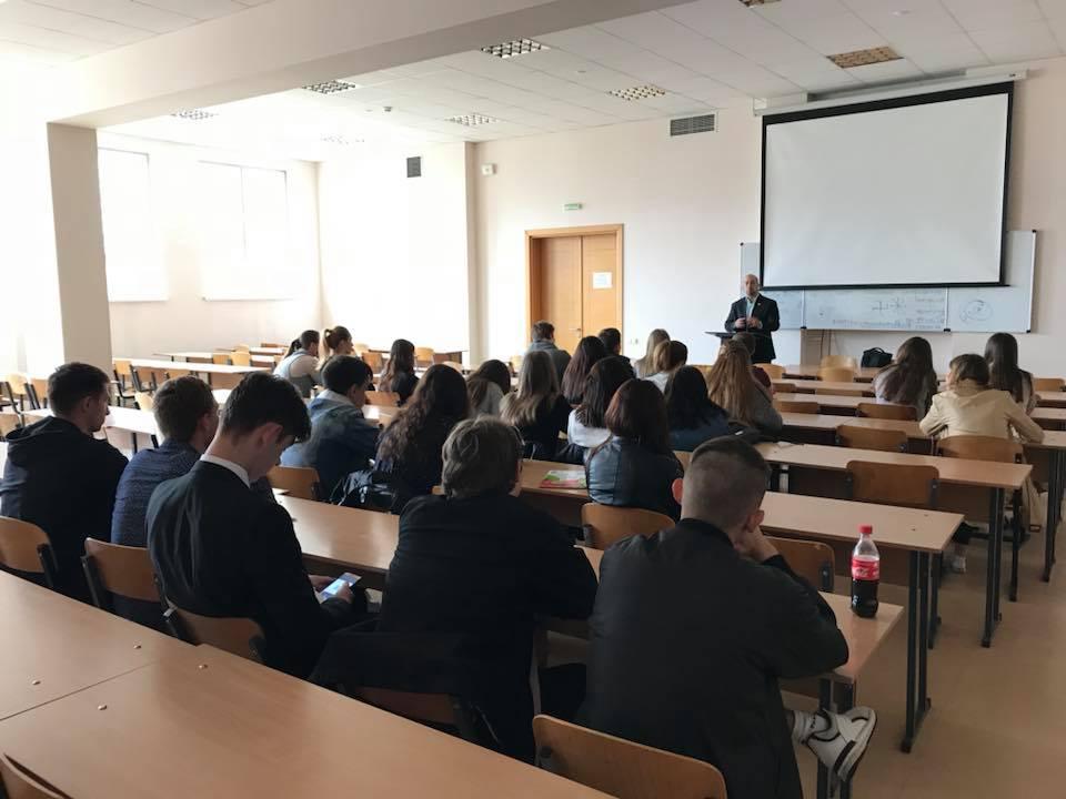Ісламський погляд на міжнародні відносини: лекція Тарика Сархана в КНУКіМ