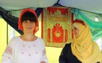 Стихийный флешмоб «Сфотографируйся с имамом» в День Независимости в Запорожье