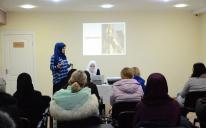 Обзор современной скромной моды на Дне хиджаба в ИКЦ Днепра