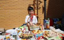 В Киевском ИКЦ — благотворительная ярмарка от гимназистов