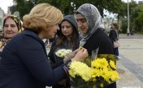 """Sunflower on the Chest: Activists of SO """"Maryam"""" and """"Ukrainian Muslimahs League"""" at Mother's Day Celebrations"""