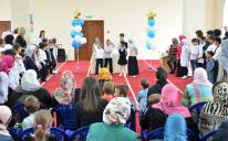 """برعاية """"الرائد"""".. مدرسة """"مستقبلنا"""" الأوكرانية الإسلامية تسدل الستار عن أول عام دراسي فيها"""