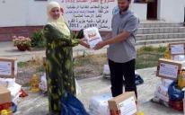 الرائد يوزع مساعدات غذائية رمضانية على الأسر التترية الفقيرة في القرم