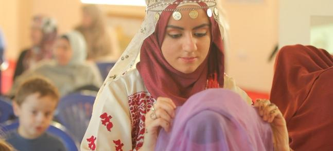 """The Other Side of the Headscarf"": Non-Muslim Opinions and Muslimahs' Stories on Hijab Day"