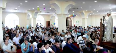 """مع """"الرائد"""" في العيد.. الفرحة تصل إلى المسلمين وغير المسلمين... في مناطق الأمن والنزاع (صور وفيديو)"""