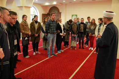 """مراكز ونشاطات """"الرائد"""" تدفع غير المسلمين للتعرف على الإسلام في أوكرانيا"""