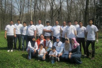 مكاتب ومراكز وجمعيات الرائد تشارك في حملة وطنية لتنظيف الحدائق والشوارع في أوكرانيا