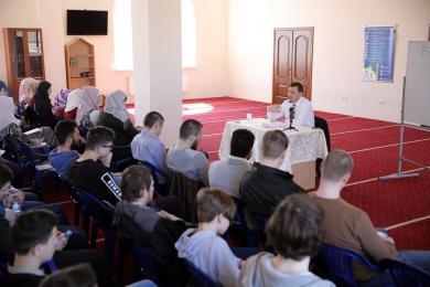 «У теологов — дискуссии, у дилетантов — ожесточенные споры, и это проблема», — Сейран Арифов