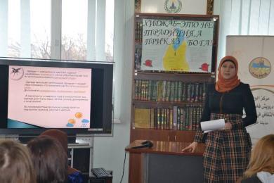Платочки интересны не только женщинам: День Хиджаба в ИКЦ Харькова