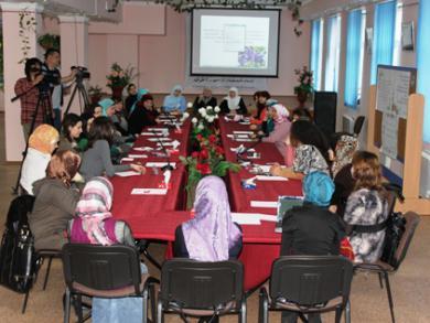 """جمعية """"نور"""" تبحث تفعيل العمل النسائي الإسلامي في القرم"""