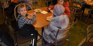 «Обедом детей угостили протестанты, а ужином накормили мусульмане»