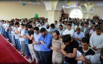 Чекаємо вас завтра в ісламських центрах на святкову молитву Ід аль-Фітр (Ураза-байрам)!