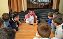 """""""Read Me"""": Kharkiv Muslims In The """"Live Library"""" Project"""