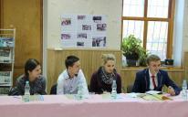 Круглий стіл в Ісламському культурному центрі «Аль-Масар» уперше зібрав молодих людей різних національностей і конфесій