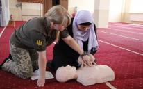 Військові парамедики навчали мусульманок навичок надання першої долікарської допомоги