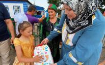 Мусульмани подарували будинок на Херсонщині дівчинці-сироті та її бабусі-опікунці