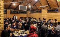 Каждый вечер до полутора тысяч мусульман собираются в Киевском ИКЦ