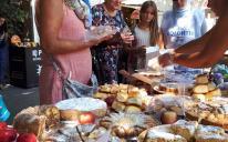Волонтерки ІКЦ Одеси взяли участь у добродійному ярмарку