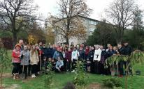 Запорожские мусульмане подарили местному интернату 20 сакур