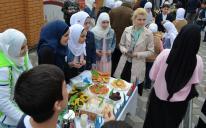 До Рамадану готові: гімназисти «Нашого майбутнього» вже зібрали кошти на садаку