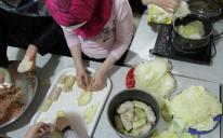 Операція «Голубці»: акція «Домашня їжа для військового госпіталю» триває!
