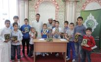 """في شهر رمضان المبارك وغيره.. """"الرائد"""" يعظم القرآن ويحيى به.. محليا ودوليا"""