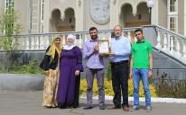 Мусульмане, укрывшиеся в церкви