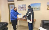 Скрутні часи краще пережити разом: 40 родин із Дніпра та Кам'янського отримали допомогу одновірців