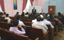 الرائد يقيم دورة لمعلمي مادة اللغة العربية الجدد في المدارس التابعة