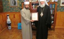 وفد من المركز الثقافي الإسلامي بمدينة أوديسا يزور نائب بطريرك أوكرانيا