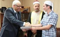 Первый хафиз после почти сотни лет забвения заучивания Корана представит Украину на международном конкурсе в Египте