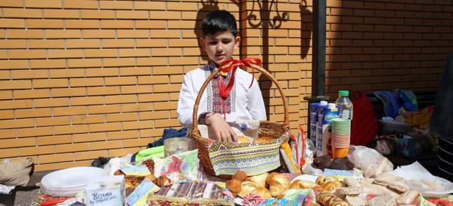У Київському ІКЦ — благодійна ярмарка від гімназистів