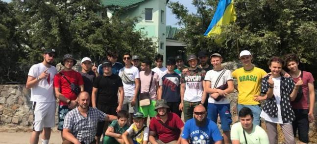 Метнутися на море перед навчальним роком: табір для юнаків у Генічеську