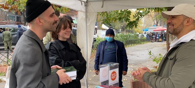 В украинских городах проходят акции «Ислам — это мир!» как часть программы «Милость для человечества»