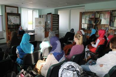 Харьковские мусульманки напомнили родителям об ответственности, возложенной на них Творцом