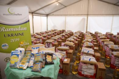 Ramadan-2019: Grocery packs from German Muslimehelfen for Ukrainian Brothers and Sisters in Faith