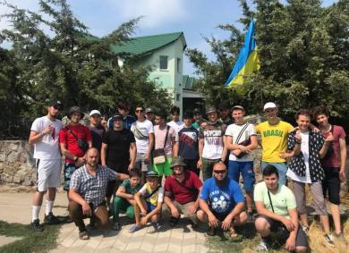 Метнуться на море перед учебным годом: лагерь для юношей в Геническе