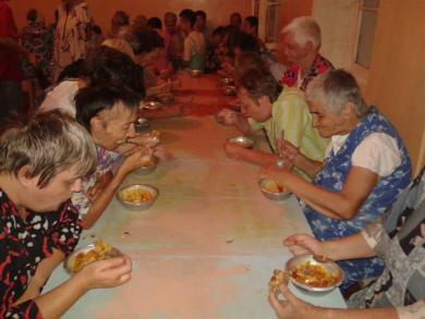 Одеські мусульмани продовжують ділитися з малозапбезпеченими у місяць Рамадан