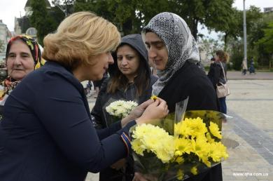 "Sunflower on the Chest: Activists of SO ""Maryam"" and ""Ukrainian Muslimahs League"" at Mother's Day Celebrations"
