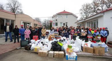 """""""You're My Best Gift!""""*: Pupils of Boarding Schools Asked the Volunteers to Stay"""