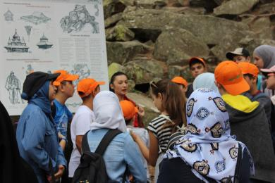 "Blueberries on the Dovbush Paths: Eventful Programme of ""Druzhba"" Camp Continues"