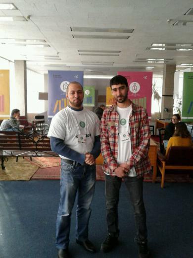 Розвінчуючи стереотипи: полиці «Живої бібліотеки» поповнилися двотомником «Сім'я мусульман»