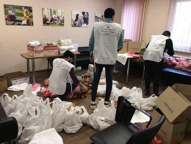 Мусульмани-волонтери у Дніпрі й далі допомагають нужденним