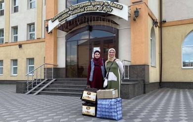 Волонтеры ЖО «Марьям» отправили одежду и вкусности для детей внутренне перемещенных лиц