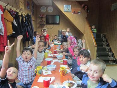 """المراكز الإسلامية وجمعيات """"الرائد"""" تختتم فعاليات مخيماتها الصيفية لأبناء الجاليات في أوكرانيا (صور)"""