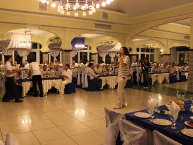"""""""الرائد"""" يقيم مأدبة إفطار رمضاني للقيادات التترية في القرم جنوب أوكرانيا"""