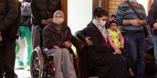 В ИКЦ Киева вновь раздавали продукты нуждающимся семьям