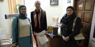 Мусульманки зібрали продукти для жертв домашнього насильства та дитячий одяг для прифронтової зони